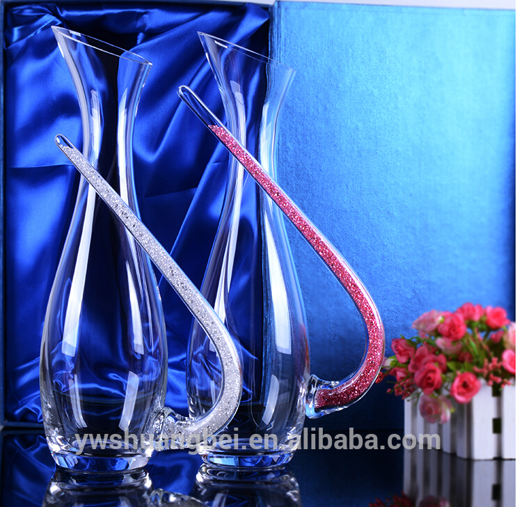 Wholesale High Quality 1200ml Elegant Clear Hand Cut Glass Wine Decanter Glass Water Carafe