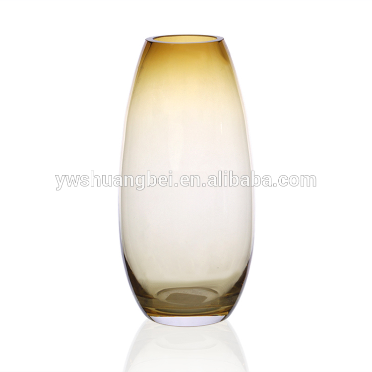 Wholesale beautiful and elegant 26cm tall glass vase for home decoration
