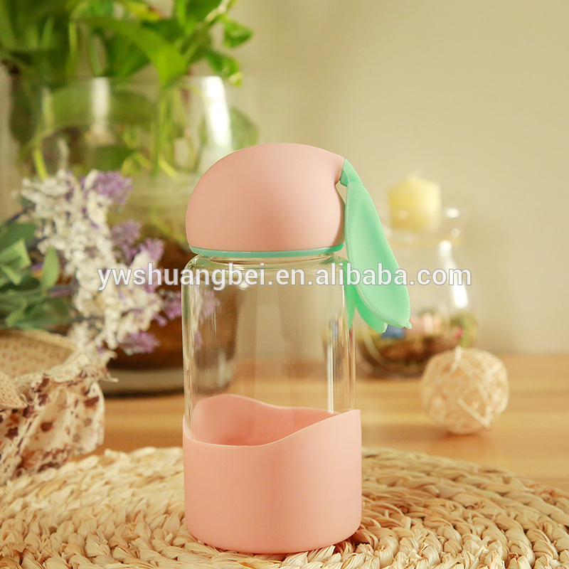 Hot sale rabbit shaped and cute borosilicate glass water bottle with spiral top
